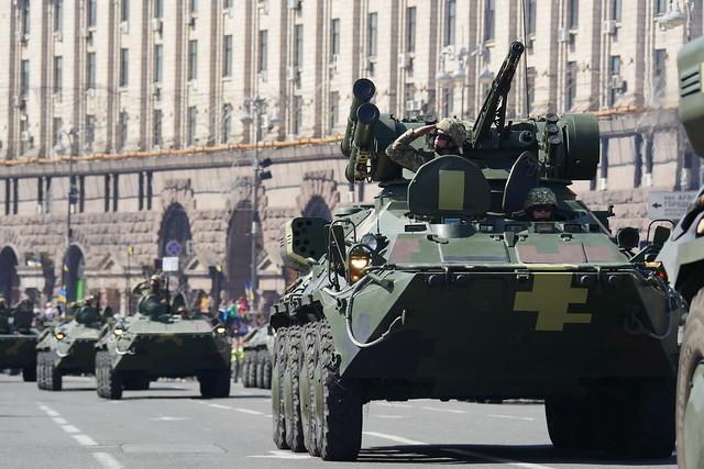 У Києві на Хрещатику пройшов військовий парад з нагоди 27-ї річниці Незалежності України