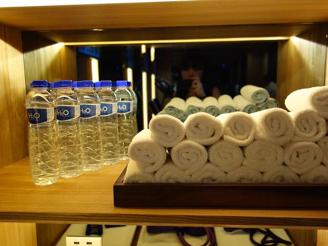 少不了有小毛巾與飲水@高雄H2O水京棧國際酒店