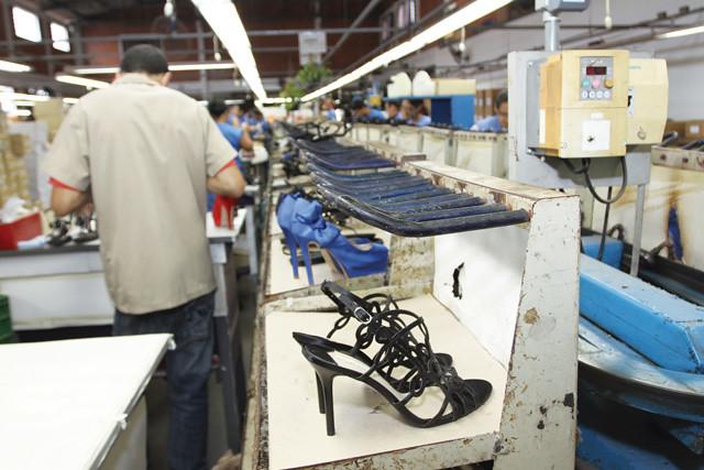 6bacb3720 Mesmo com as fábricas abertas algumas das empresas já tiveram a falência  decretada. - Créditos