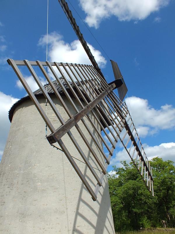 Promilhanes - Moulin à vent du Mas de la Bosse
