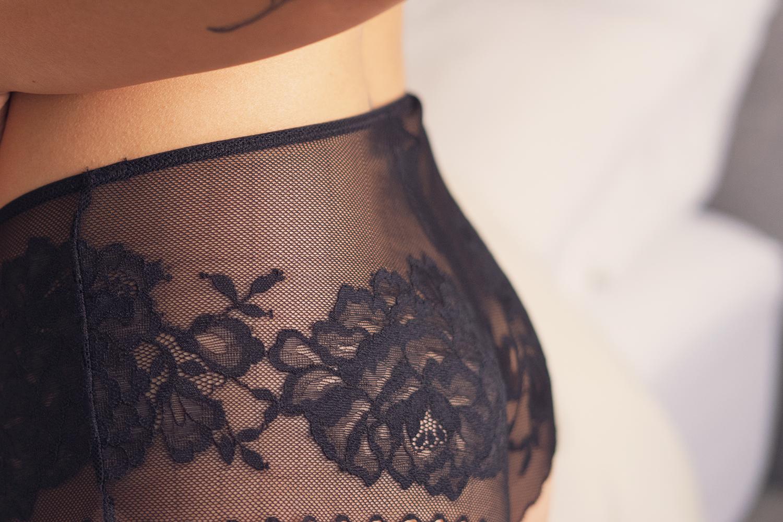 08natori-lace-lingerie-lifestyle