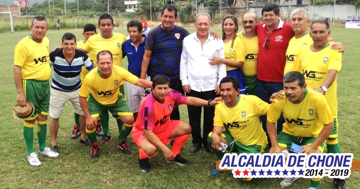 Exitosa inauguración de la Copa Víctor El Chino Bravo