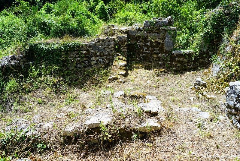 Руины церкви Пресвятой Богородицы