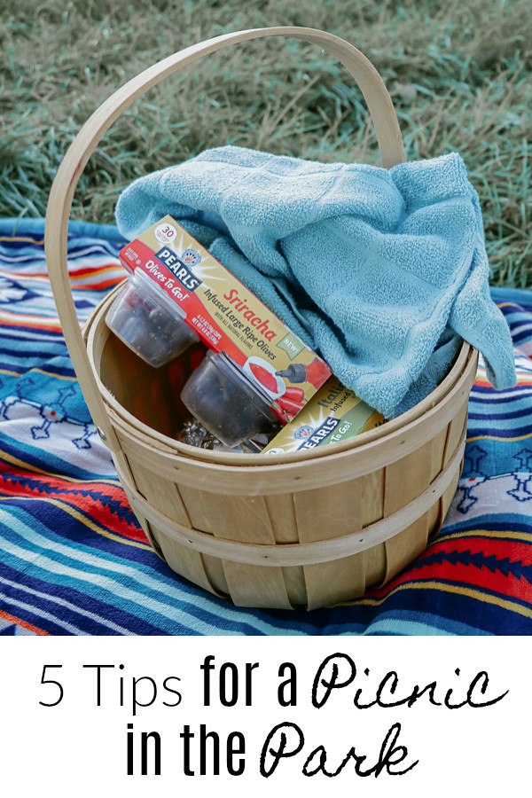 5 Tips for a Picnic in the Park #PearlsOlives