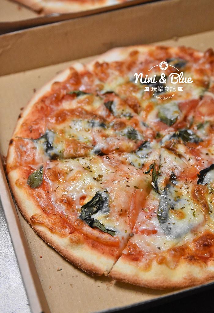 一中街美食 pizza running14