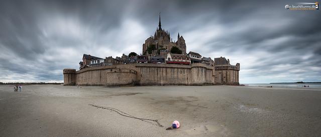 Low tide arround Mt. St. Michel