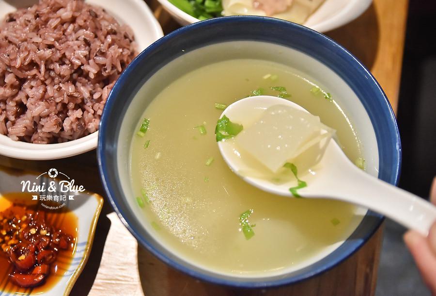 東沐食在 台中科博館 植物園 美食09