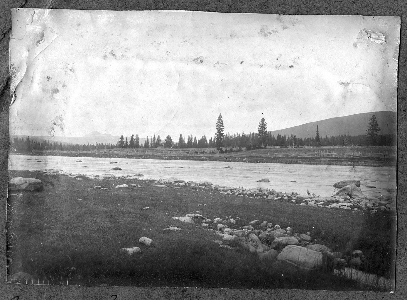 Река Косьва близ Троицкого завода на Урале