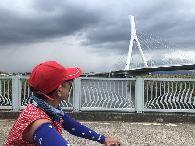 延平北路五段,關渡騎自行車 (12)
