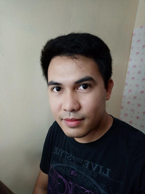 OPPO F9 sample selfie
