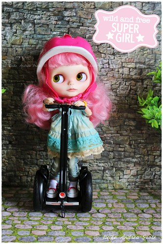 Ride on Zoe! 🌸🚴♀️💨🌸