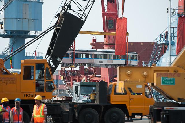 MRTジャカルタ電車 タンジュンプリオク港 水切り