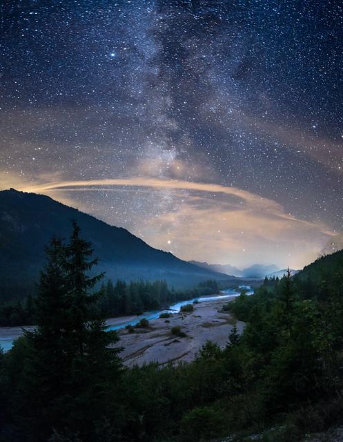 Isar unter Sternenhimmel