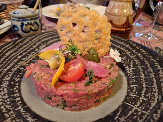 steak tartare @ Chez Yvonne