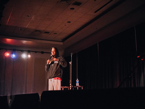 """SNL"" comedian Pete Davidson warns against college in Perkins Live performance"