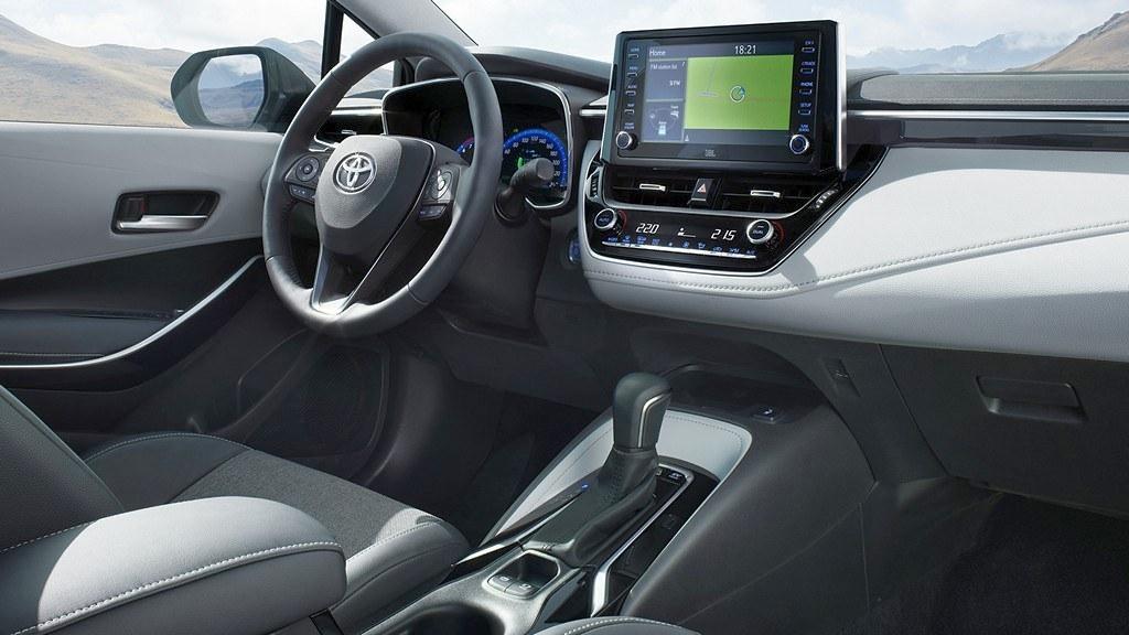 Toyota Corolla Touring Sports 2