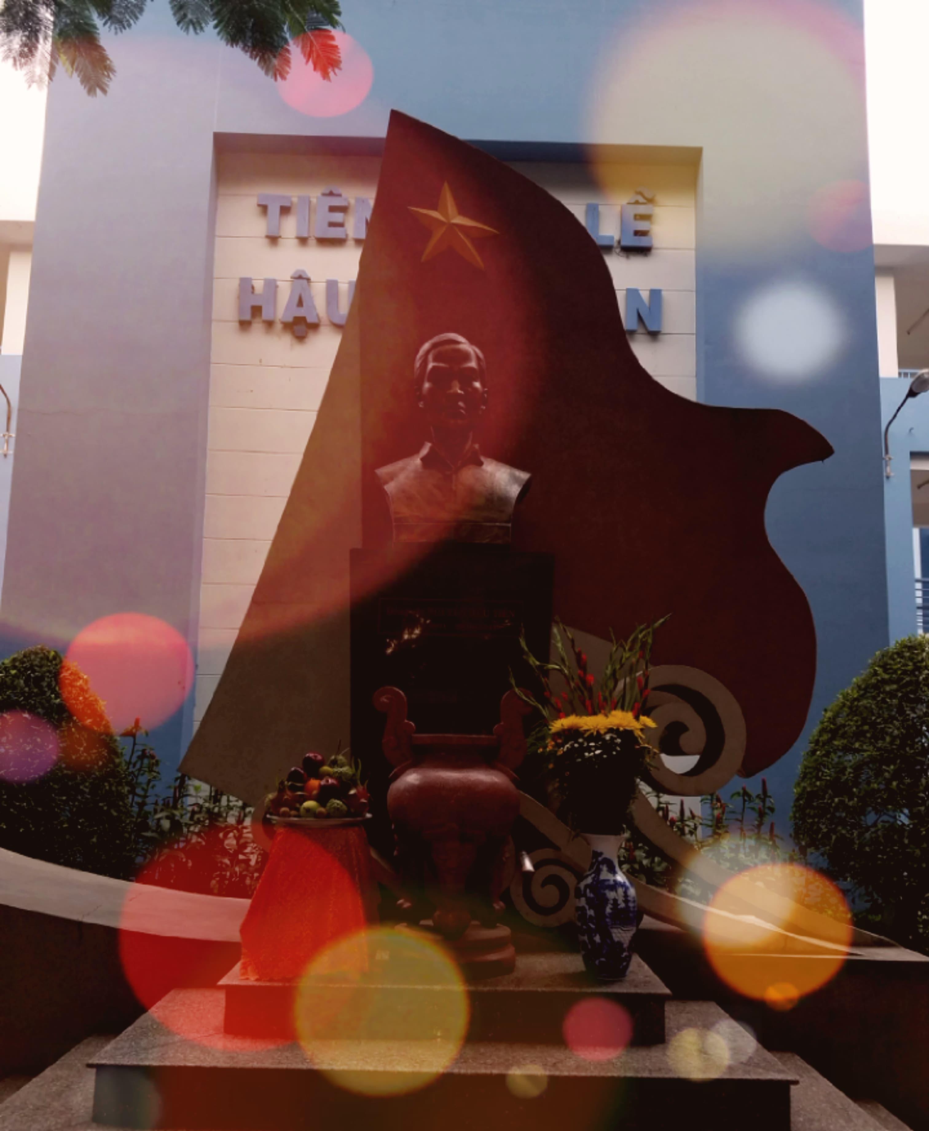 LỄ DÂNG HƯƠNG TƯỞNG NIỆM 77 NĂM NGÀY MẤT CỦA ĐỒNG CHÍ NGUYỄN HỮU TIẾN. (28/8/1941- 28/8/2018)