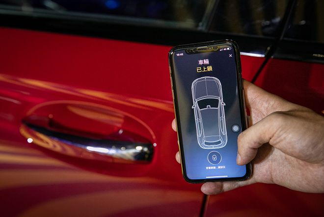 透過遠端監控與追蹤,車主可知道車輛停放位置,還能確實掌控車輛狀況,此外亦可隨時為遺忘上鎖的車門遠端上鎖