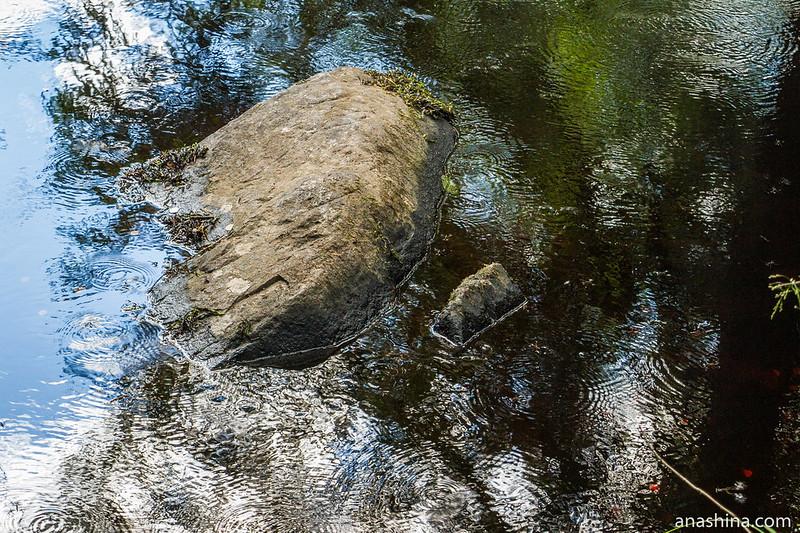 Камень в воде, Рускеальские водопады