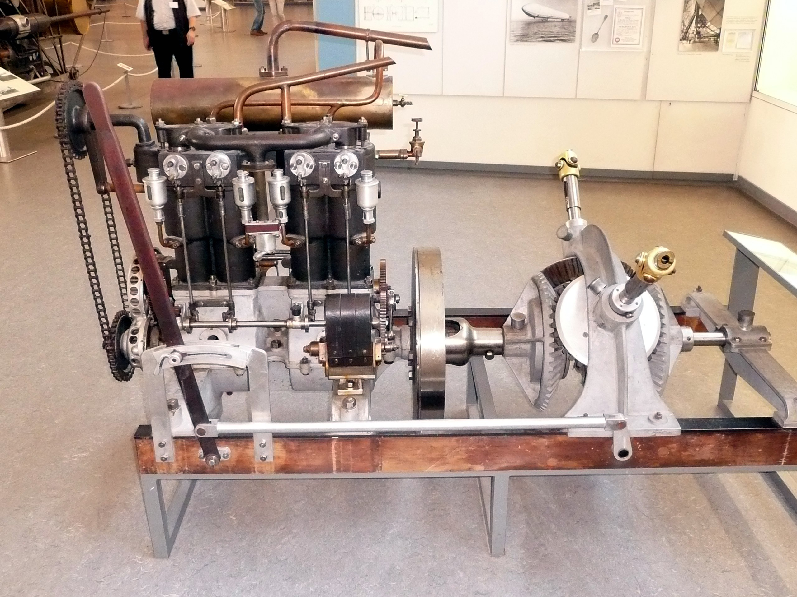 One of LZ 1's Daimler NL-1 engines, preserved in the Deutsches Museum, Munich