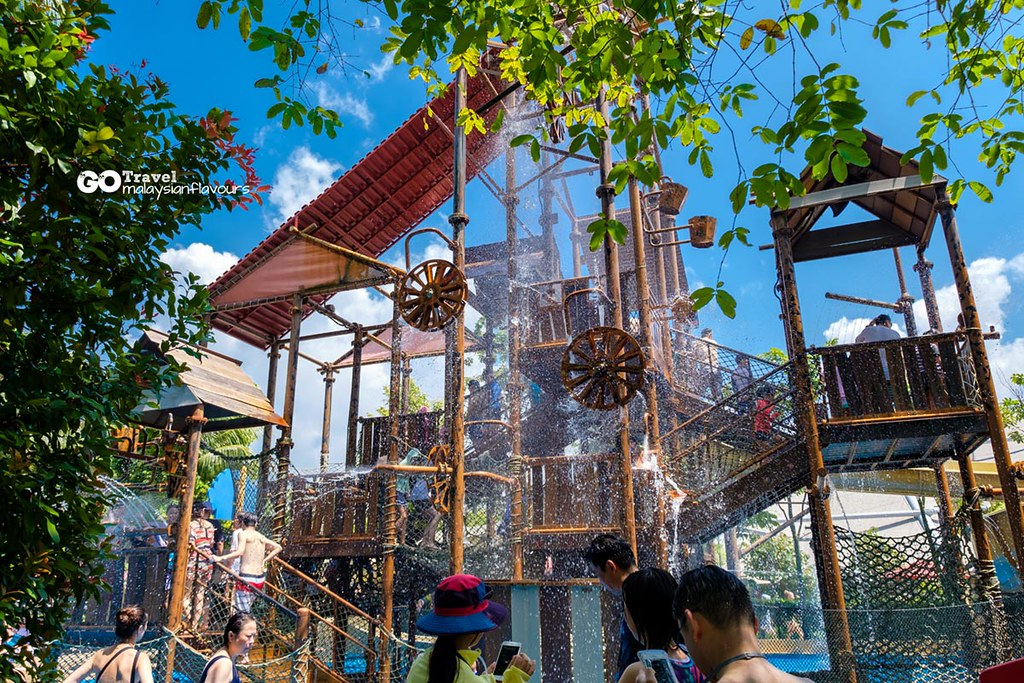 Adventure Cove Waterpark RWS singapore