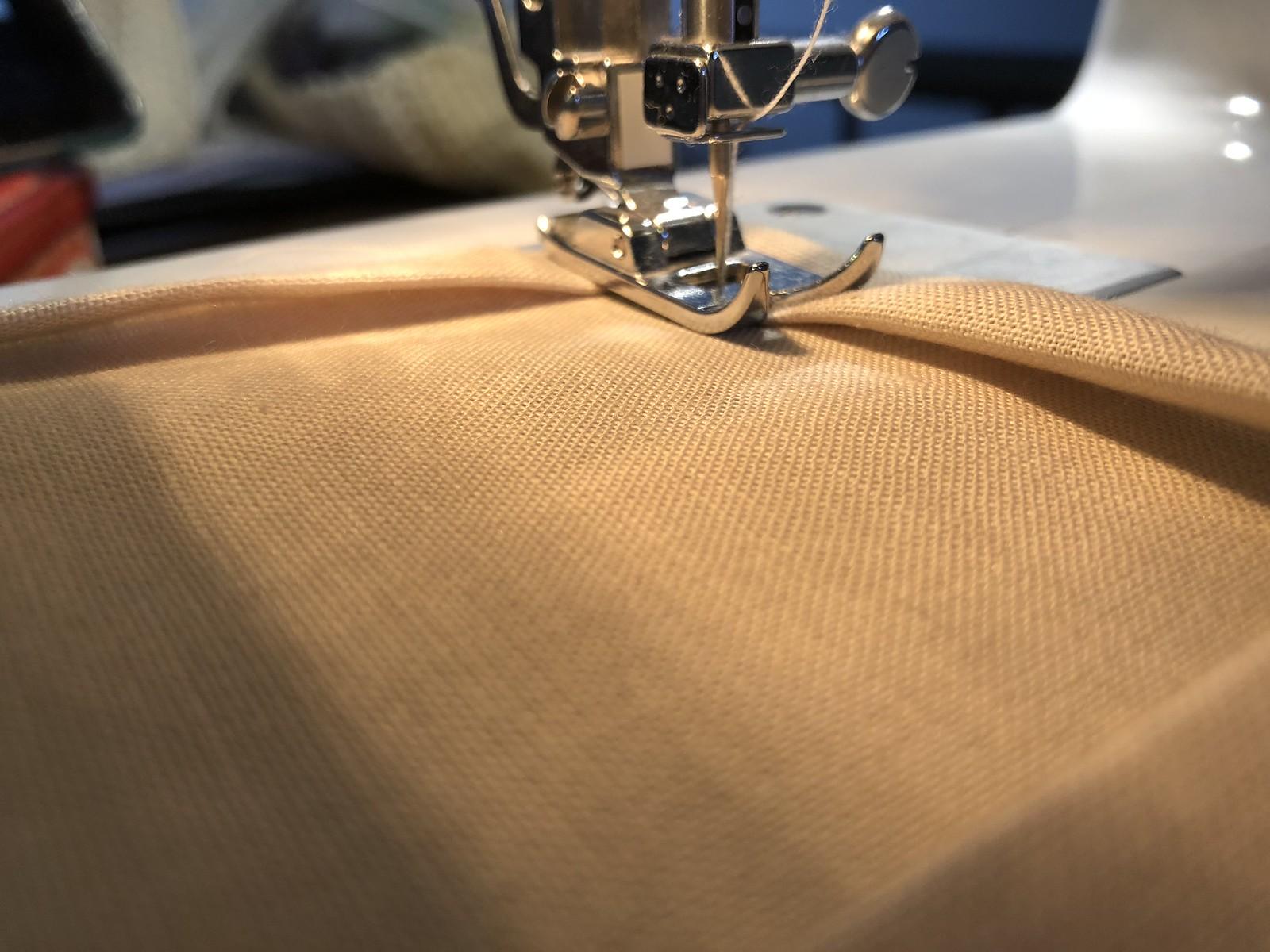 Confeccionando las bolsitas de lino
