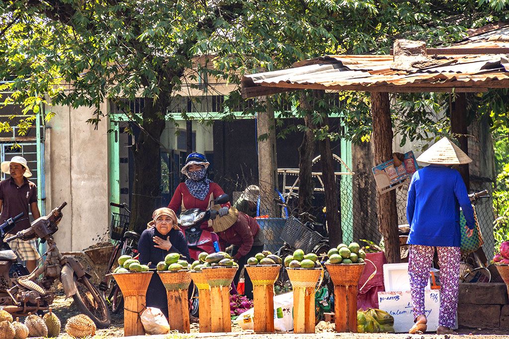 Avocado seller--Ea Kly