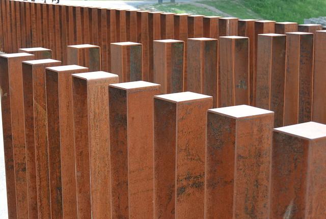 fence, Nikon 1 V2, 1 NIKKOR VR 10-100mm f/4-5.6
