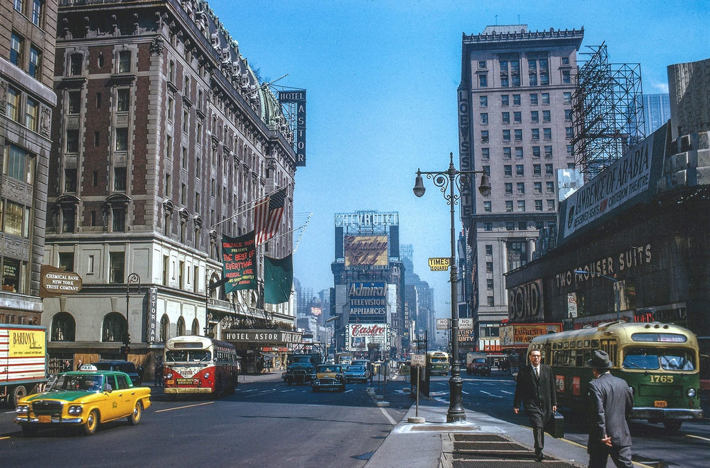 Everyday Life of New York City in the 1960s (25)