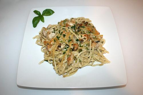 67 - Chicken Tetrazzini pasta casserole - Served / Hähnchen Tetrazzini Nudelauflauf - Serviert