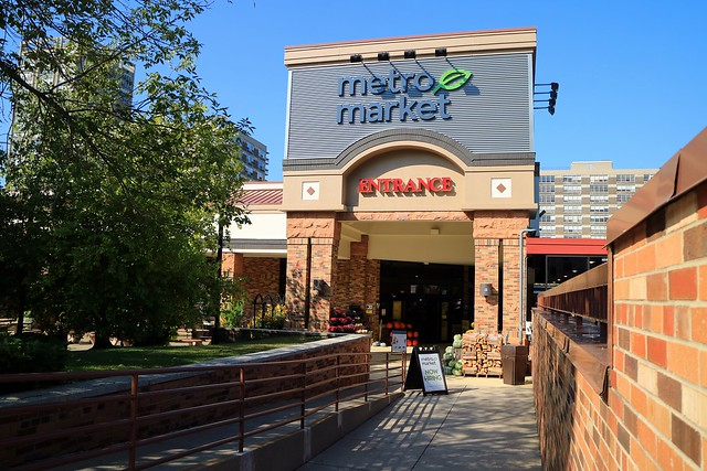 Metro Market Entrance