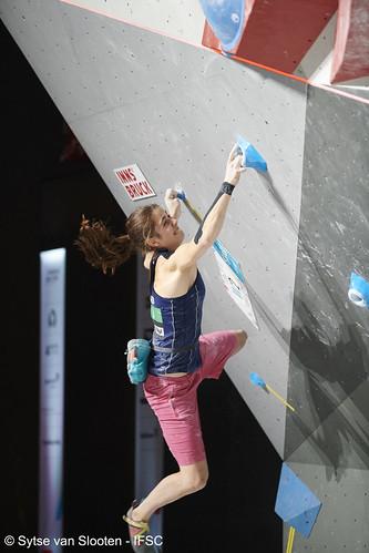 ifscwch-innsbruck-boulderfinals-women-friday-011-D85_2978