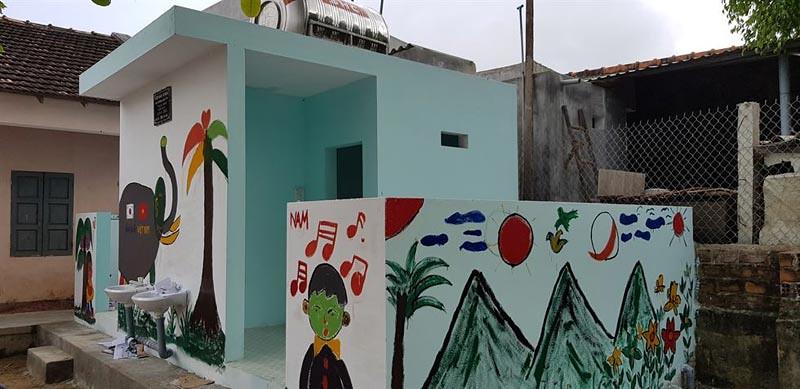 Toilet yang dibangun dari hasil maraton amal Y.M. Bhiksu Jino.