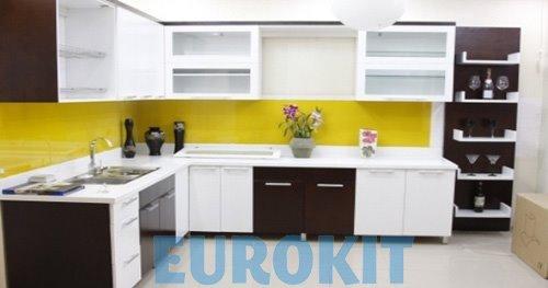 Tủ bếp gỗ Laminate 2 màu kết hợp