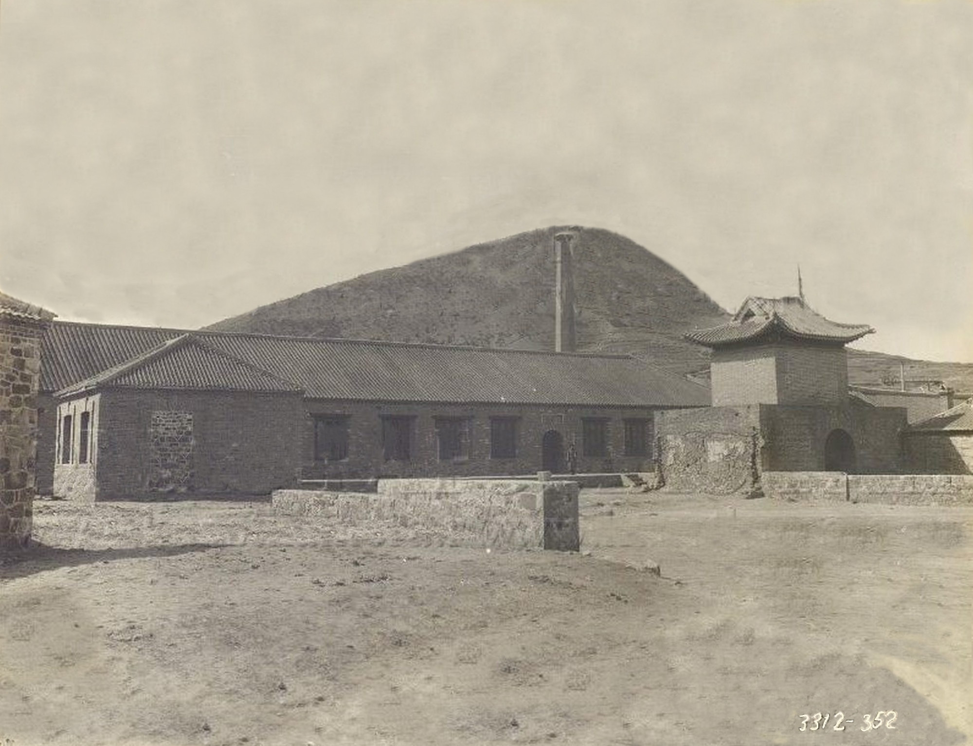 Гарнизонное здание