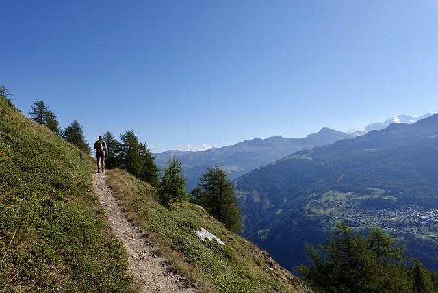 Across the valley lies Graechen
