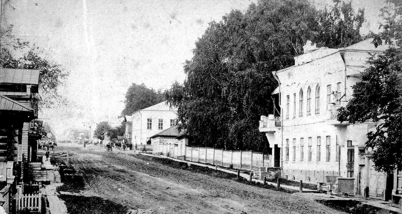 Нагорная улица. Дом в котором проживала О. И. Ижболдина, родная сестра великого живописца И. И. Шишкина