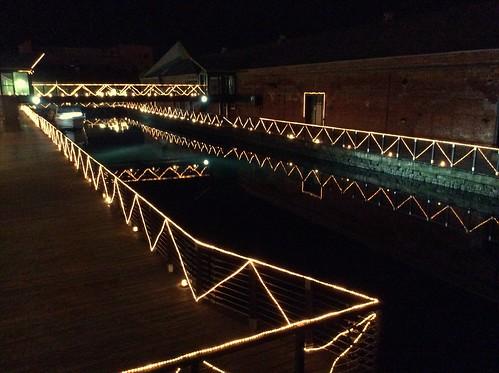 函館 金森赤レンガ倉庫 七財橋から見た運河(掘割) 夜景 1D31CECA-DD0A-419B-9484-3D3CE810644A