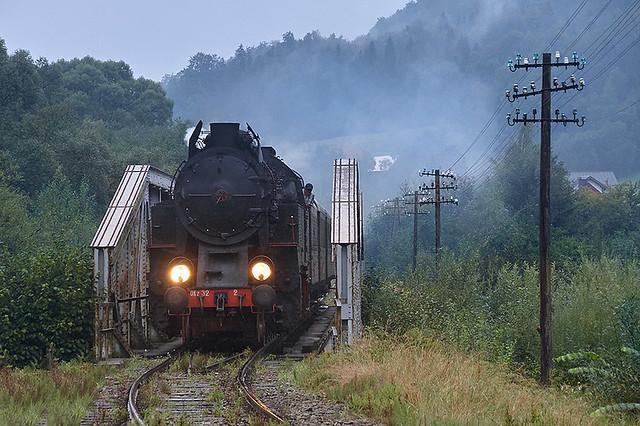 OKz32-2 approaching Mszana Dolna Marki