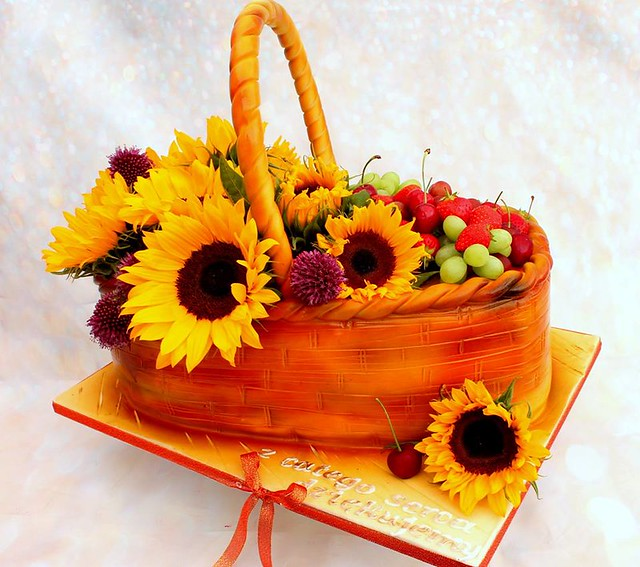 Summer Basket Cake from YumCake - Cakes by Gosia