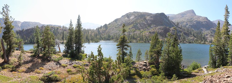 Panorama shot from the Pacific Crest Trail looking west at Susie Lake