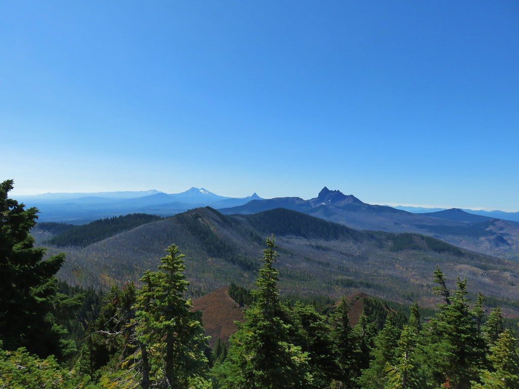 Broken Top, The Three Sisters, Mt. Washington and Three Fingered Jack