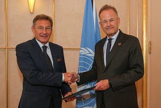 NEW PERMANENT OBSERVER OF THE EUROPEAN UNION PRESENTS LETTER OF NOMINATION TO THE DIRECTOR-GENERAL OF THE UNITED NATIONS OFFICE AT GENEVA