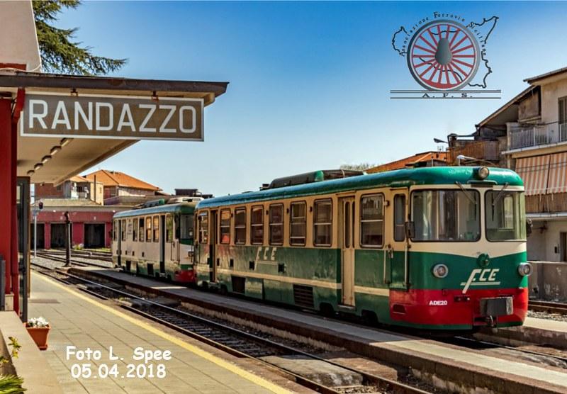 100 - Agosto 2018 - Al binario 2 di Randazzo  44126592241_8b07e1af49_c