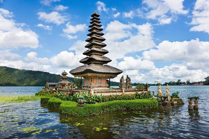 Pura Ulun Danu Bratan di Danau Bratan, Bedugul, Bali.