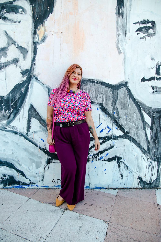 outfit plus size curvy tshirt artigianale misstufi panta palazzo viola (5)