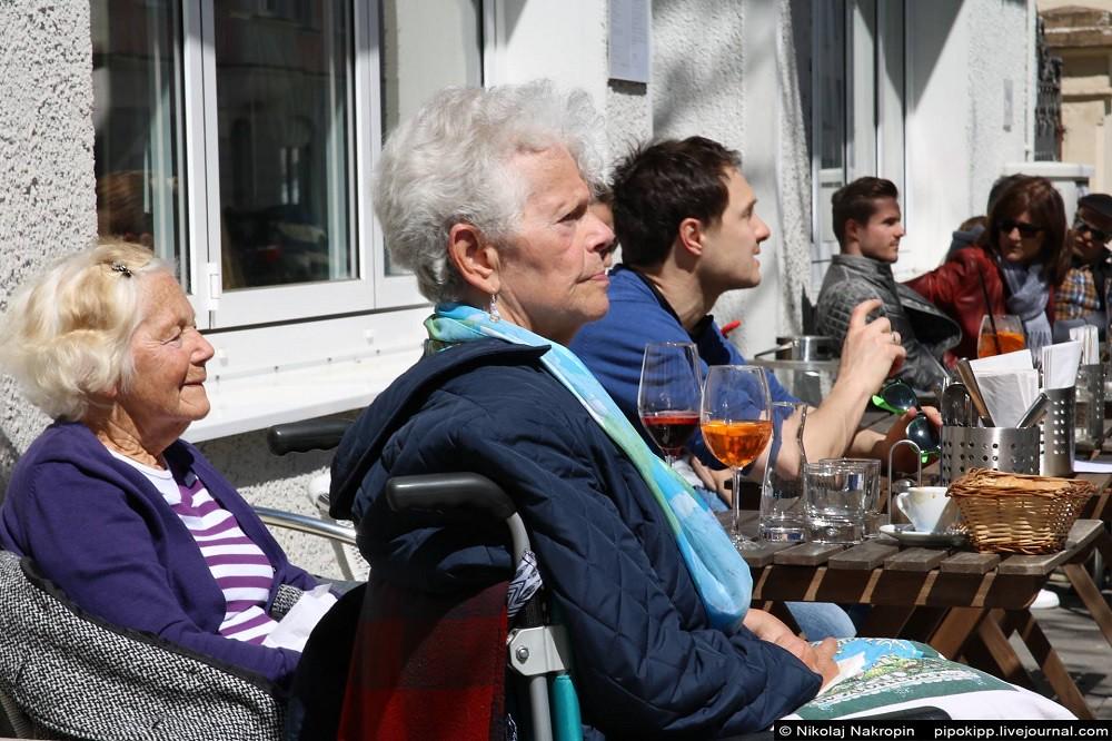 Не певицами-инвалидами сильна Россия, а скрепами