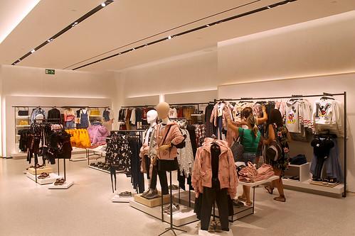 Nueva Tienda Inaugura El Zara Centro Comercial En Su L'aljub Con qRBSqwxE