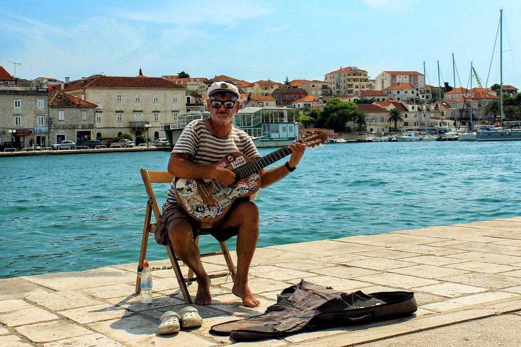 Il marinaio e la sua chitarra - The sailor and his guitar