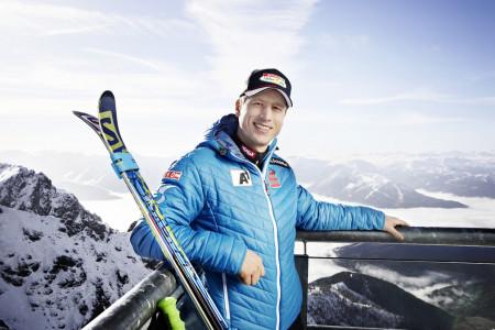 Hannes Reichelt stále závodí, ale umí se prát i za soupeře